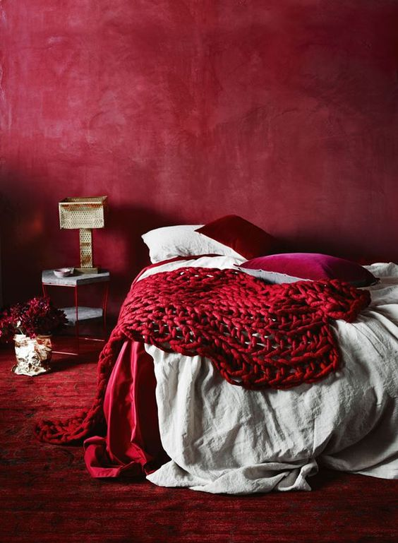 9 Ways to set a romantic mood into your home