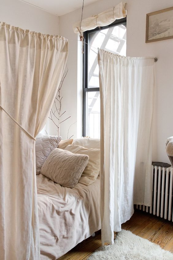 tiny bedroom curtains