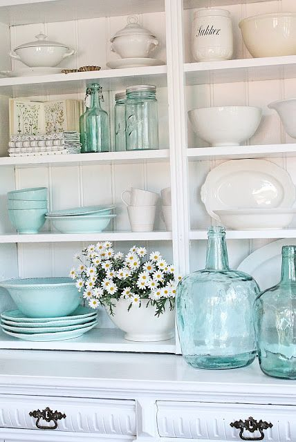 8 Dreamy Ideas To Give Your Kitchen A Vintage Farmhouse