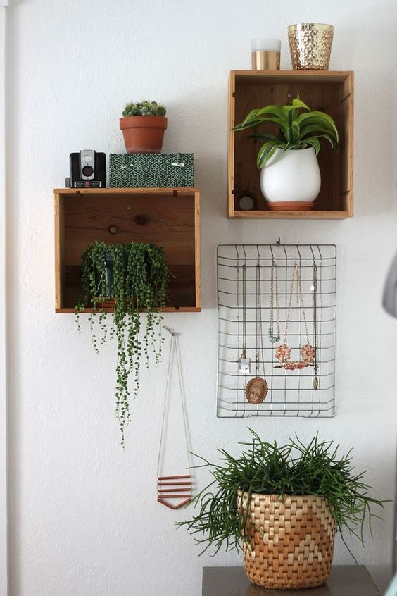10 dreamy items to hang on the wall besides frames daily dream decor - Things to hang on walls ...