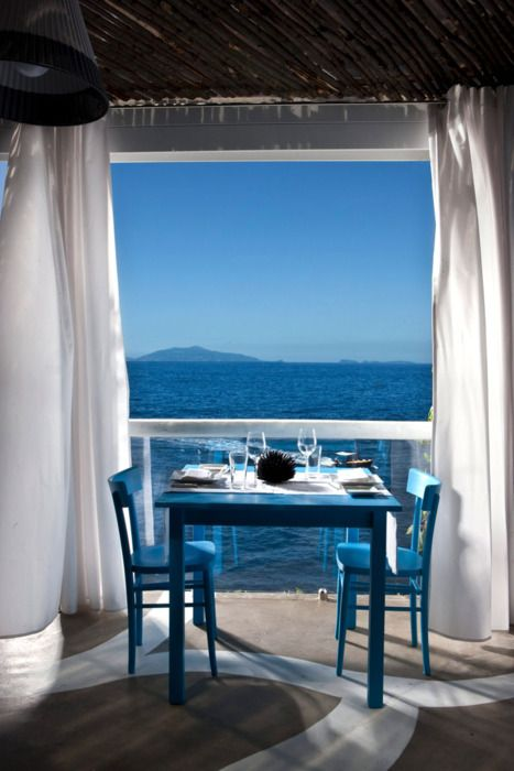 9 Tips On How To Make Your Balcony Looking Like A Greek