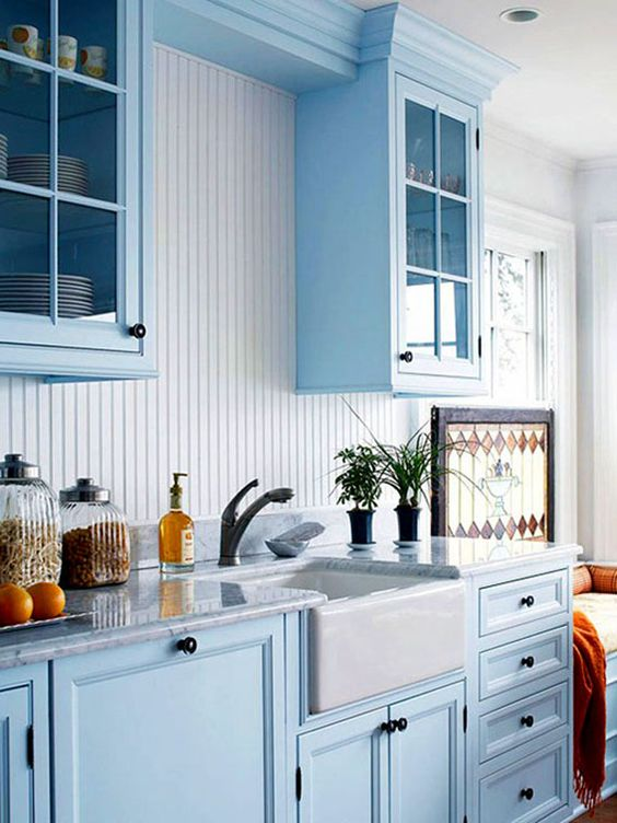 5 Easy Ways To Get A FRIENDS Lookalike Kitchen & Living Room - Daily Dream Decor