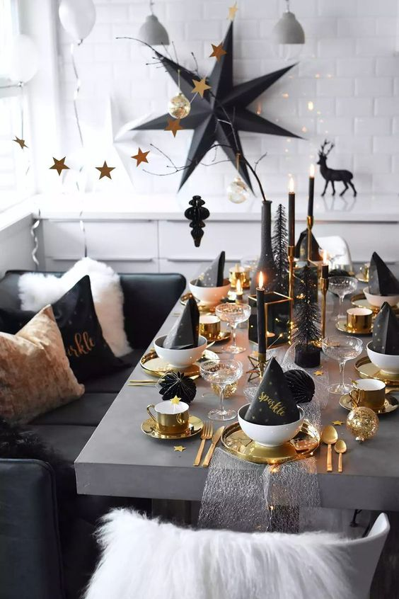 8 Table Setting Ideas For New Year S Eve Daily Dream Decor
