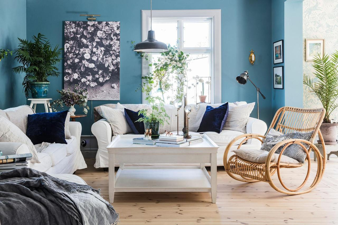 A dreamy spring home in blue shades