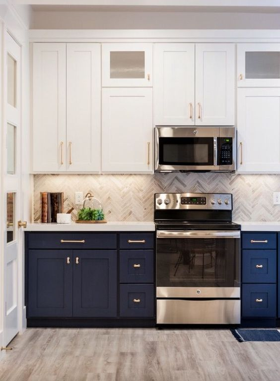 6 Two toned kitchen cabinets - The combo you should try for ...