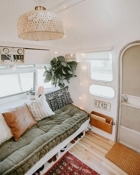 7 Hippie Bohemian ideas for a dreamy van life - Daily Dream Decor