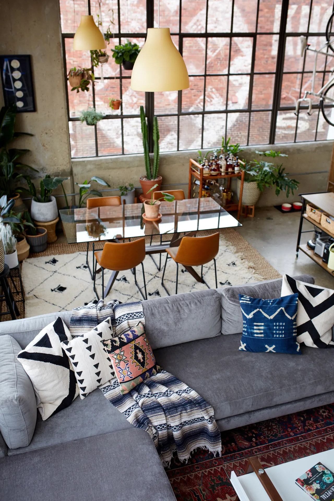 A cool industrial apartment - Daily Dream Decor