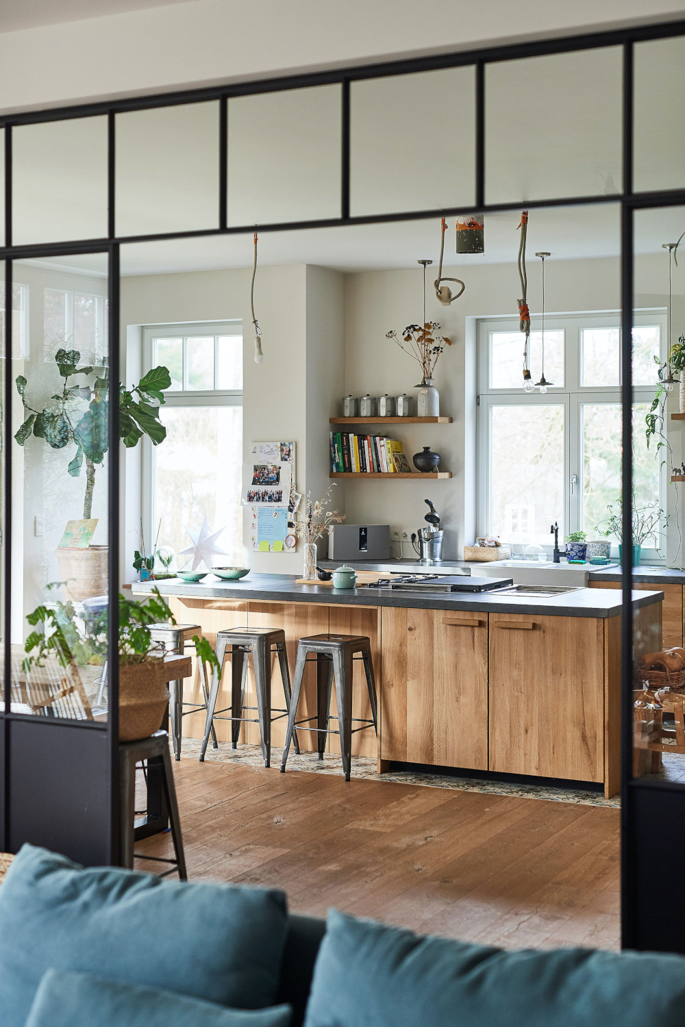 A dreamy natural Ikea kitchen with custom fronts - Daily ...