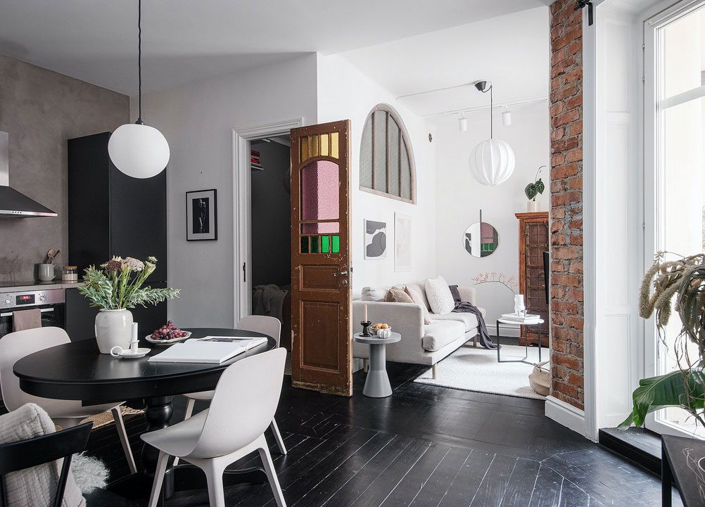 Small But Cool Scandinavian Apartment With Black Floors Daily Dream Decor